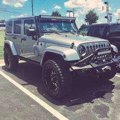Jeep goalssss IG: @jess.jones_ Jeep Jk, Jeep Truck, 4x4 Trucks, White Jeep Wrangler, Jeep Wrangler Unlimited, My Dream Car, Dream Cars, Silver Jeep, Jeep Scout