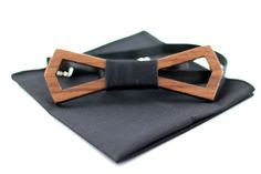 Walnut wooden bow tie (Hollow style) with matching pocket square by ChicBowTie… Wooden Bow Tie, Fabric Bows, Tie And Pocket Square, Black Fabric, Men Dress, Belt, Etsy, Accessories, Style
