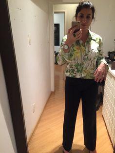COMPREi: camisa estampada (Gregory Off Price). A calça é da leva que foi para ajuste na costureira.