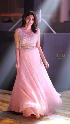 Designer Sarees Wedding, Designer Party Wear Dresses, Indian Designer Outfits, Indian Outfits, Designer Lehanga, Engagement Saree, Engagement Dresses, Lehenga Gown, Party Wear Lehenga