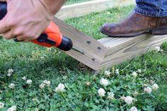drill 4 deck screws into corner of and post. repeat for all 4 corners Backyard Hammock, Hammock Tent, Outdoor Hammock, Outdoor Toys, Backyard Patio, Bucket Air Conditioner, Free Standing Hammock, Hammock Frame, Wood Post