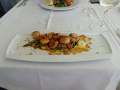 Sautéed fresh scallops with vegetables @ Restaurant IBO