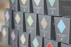 17 fragrances exclusives pour RECHARGER votre bougie précieuse ROSE ET MARIUS www.roseetmarius.com
