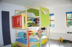 What kid wouldn't want their very own den right above their bed?? YES PLEASE! http://spr.ly/6008Ba2YK #KidsRooms #Kids #Bedroom