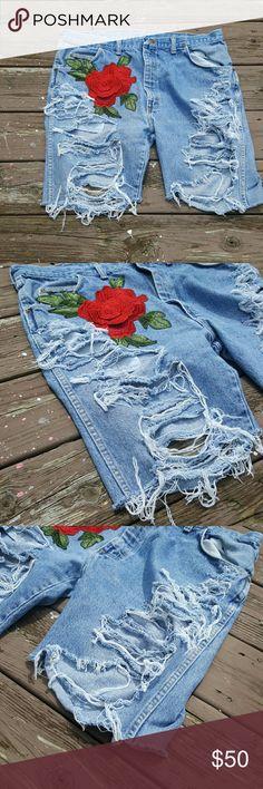 Plus sz custom ripped Bermuda Shorts sz 17 Grunge Upcycled  Sewn on roses Shorts
