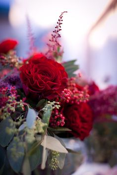 Floral + Event Design: Kelly Oshiro Design - kellyoshirodesign.comPhotography: Halberg Photographers - halbergphotographers.com/Read More: http://stylemepretty.com/2011/12/22/chic-christmas-table-by-kelly-oshiro-design/