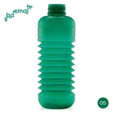 Jade Mate · Semitransparente  |  #Botella #plegable #Squeasy de polipropileno sin bisfenol A (BPA)  /  100% #reciclable.  /  Capacidad de 0.3 a 0.7 litros.  /  Apta para uso alimentario.  /  Apta para lavavajillas. Suave aroma  a vainilla (para evitar el olor a plástico, no afecta al contenido de la botella)  /  #Diseño Suizo.