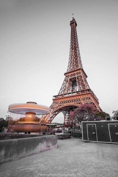 'La Dame De Fer'/The Eiffel Tower - Paris - France