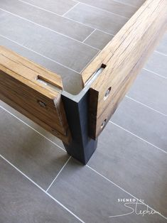Detail poot van eiken bed - Shoe Tutorial and Ideas Furniture Projects, Wood Projects, Diy Furniture, Furniture Design, Metal Garden Furniture, Furniture Layout, Furniture Plans, Rustic Furniture, Luxury Furniture