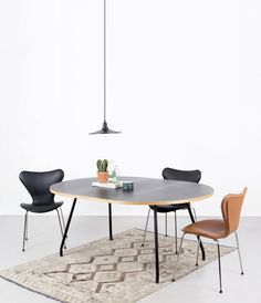 FULL-COVER | At Bent Hansen we make full-covers in leather or fabric for Arne Jacobsen's 3107 chair. A simple way to add extra comfort to the beautiful chairs.