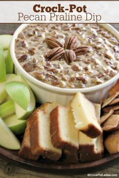 Crock-Pot Pecan Praline Dip - Serve this amazing Crock-Pot Pecan Praline Dip with slices of apples pound cake or cinnamon pita chips for a sweet dip perfect for the holiday season! You can also spoon this over your favorite ice cream as a dessert sauce. Crock Pot Dips, Crock Pot Desserts, Slow Cooker Desserts, Slow Cooker Recipes, Crockpot Recipes, Dip Crockpot, Cooking Recipes, Dessert Dips, Paleo Dessert