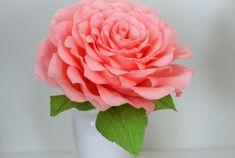 Flor de papel rosa grande de grandes de papel para por adornflowers