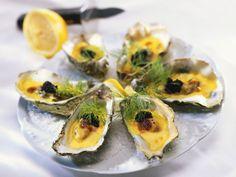 Überbackene Austern ist ein Rezept mit frischen Zutaten aus der Kategorie Muscheln. Probieren Sie dieses und weitere Rezepte von EAT SMARTER!