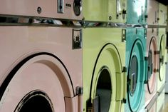 Vintage laundromat with pretty pastel-colored dryers Vintage Love, Retro Vintage, What A Nice Day, Coin Laundry, Pretty Pastel, Christmas Decorations To Make, Candy Colors, Pastel Colors, Soft Pastels