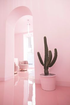 It has just been born in Madrid 'NiM Salón', a beauty center that leaves no one indifferent. Nail Salon Decor, Beauty Salon Decor, Beauty Salon Interior, Salon Interior Design, Beauty Bar, Beauty Salon Design, Beauty Salons, Interior Sketch, Interior Styling