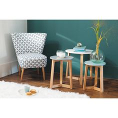 3 mesas bajas apilables vintage de madera de tres colores An. 30 cm a An. 50 cm