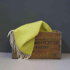 Design Vintage | Zest Yellow Throw | Wool Throw | Tweedmill