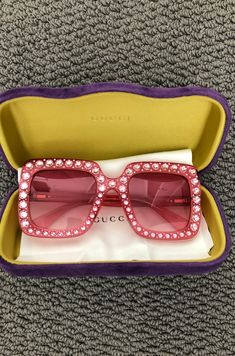 authentic gucci sunglasses these are like brand new no flaws no scratches comes with the case Valentino Designer, Guccio Gucci, Gucci Sunglasses, Sunnies, Luxury Fashion, Fashion Trends, Gucci Fashion, Fashion Labels, Boho Rings