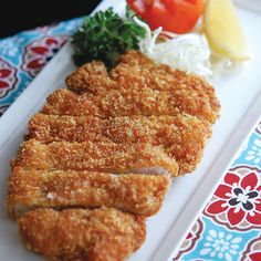 Learn how to prepare this Tonkatsu recipe like a pro. With a total time of only 20 minutes, you'll have a delicious dinner ready before you know it. Chicken Katsu Recipes, Dog Recipes, Healthy Recipes, Food Porn, Food And Drink, Easy Meals, Japanese Food, Japanese Recipes, Lunches