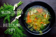 Zupy to doskonałe dania dietetyczne. Są bogate w witaminy i minerały, ponieważ ich głównym składnikiem są warzywa. Dietetyczne fit zupy są bardzo popularne na moje stronie, dlatego zebrałam najsmac…