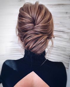 Textured updo, updo wedding hairstyles,updo hairstyles,messy updos #weddinghair #wedding #hairstyles #updowedding #weddinghairstyles