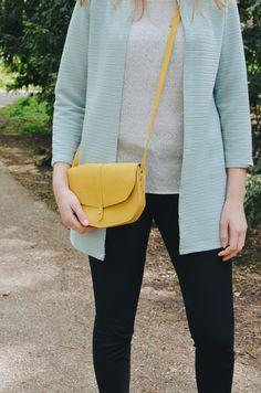 Keecie - Move Mountains bag in yellow leather - silkscreen print inside | small bags | kleine tas | dames tas | mode accessoires | womens fashion accessories | Keecie.nl