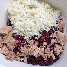 Pożywne sałatki na zimno do pracy dla faceta z ryżem   BLOG przepisy Healthy Food, Healthy Recipes, Feta, Oatmeal, Grains, Salads, Cheese, Breakfast, Blog