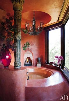 Will and Jada Pinkett Smith at Home in Malibu : Architectural Digest. Suspended above the circular bathtub is a vintage Bruce Eicher chandelier from Dana John. Dream Bathrooms, Dream Rooms, Beautiful Bathrooms, Luxury Bathtub, Pink Bathtub, Tadelakt, Vintage Chandelier, Celebrity Houses, Celebrity Style