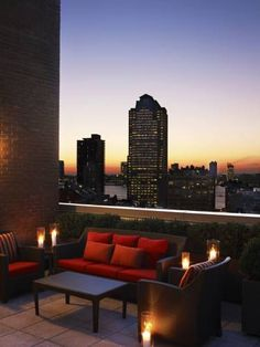 Views like that are best enjoyed with a fancy cocktail in hand... **** Sheraton Tribeca New York Hotel