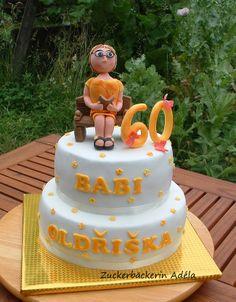 60. Geburtstag - die Oma auf einer Bank im Garten..  :-)
