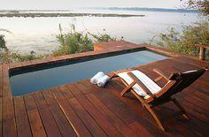 royal-zambezi-lodge-plunge-pool-and-deck-chair.jpg (700×460)