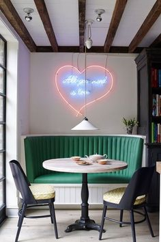 9 Cozy & Beautiful Breakfast Nooks Worth Waking Up To | Apartment Therapy