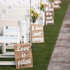 Nos encantan las ideas que nos hacen soñar. ¿Qué os parecen estos carteles para decorar la ceremonia?  foto:Etsy/Allmygoodness