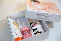 """Notre box / coffret """"Jade au Japon""""  Des cadeaux gourmands, girly, bio, fruités pour partir à la découverte du Japon avec Jade.Joeva Bien être Luxe Cocooning"""
