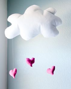 Finley and Oliver: DIY Puffy Cloud Mobile