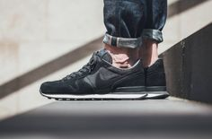 Classic Shades On The Nike Internationalist Premium on http://SneakersCartel.com | #sneakers #shoes #kicks #jordan #lebron #nba #nike #adidas #reebok #airjordan #sneakerhead #fashion #sneakerscartel