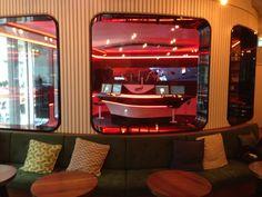 The Studio: Das Radiostudio mitten im Café - http://ift.tt/1RyXJEM