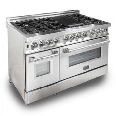 Sleek in stainless steel, ZLINE's Dual Oven Range has 7 burners, allowing you to cook a full meal all at once. The gas-powered dual oven has a deep capacity and large cooking area to handle large meals or baking sheets. Kitchen Stove, Kitchen And Bath, New Kitchen, Kitchen Appliances, Kitchen Decor, Stove Oven, Ovens In Kitchens, 6 Burner Gas Stove, Kitchen Cabinets