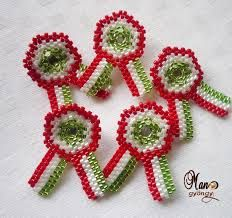"Képtalálat a következőre: ""gyöngyfűzés kezdőknek"" Brick Stitch, Beading Tutorials, Diy Projects To Try, Bead Art, Seed Beads, Crochet Earrings, Sewing Patterns, Crafts, Inspiration"