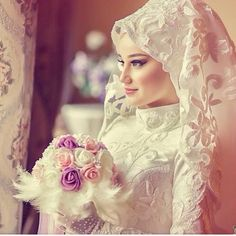 Get the Ideas of 2019 Latest Designs of Muslim Bridal Wedding Dresses in sleeves and hijab. These photos of Islamic wedding dresses for brides are fabulous. Muslimah Wedding Dress, Muslim Wedding Dresses, Muslim Brides, Wedding Dresses For Girls, Bridal Wedding Dresses, Muslim Girls, Wedding Cakes, Bridal Hijab, Wedding Hijab