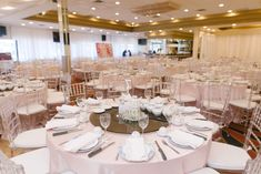 Restaurant Wedding, Seafood Restaurant, Table Decorations, Furniture, Home Decor, Decoration Home, Room Decor, Home Furnishings, Home Interior Design