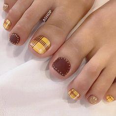 Luv Nails, Cute Toe Nails, Cute Nail Art, Cute Acrylic Nails, Nail Art Diy, Feet Nail Design, New Nail Art Design, Toe Nail Designs, Minimalist Nails
