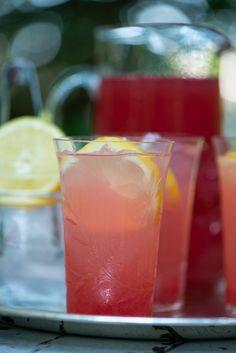 Juice Drinks, Juice Smoothie, Smoothie Drinks, Cocktail Drinks, Smoothies, Refreshing Drinks, Yummy Drinks, Food N, Food And Drink