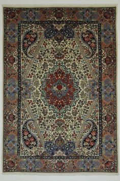 Woollen low pile rug in beige 250 x 350cm Small master
