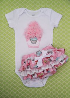Cupcake Onesie and Matching Ruffle Bottom by blueberrykate on Etsy, $40.00