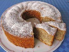 Eierlikör – Nuss – Kuchen Eggnog – nut – cake, a very delicious recipe from the category cake. Food Cakes, Torte Au Chocolat, Baking Recipes, Dessert Recipes, German Baking, German Cake, Oreo Desserts, Pound Cake Recipes, Yummy Cakes