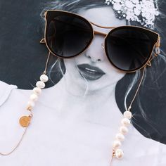 cordDIY sunglasses cord Glasses chain with pearl beads and diamanté details - View all - New in - Uterqüe United Arab Emirates Chanel inspired Glasses chain Sunglass Strap black suede Girls Jewelry, Jewelry Accessories, Lunette Style, Argent Antique, Diy Jewelry Projects, Eyeglass Holder, Gold Sunglasses, Diy Necklace, Vintage Pink