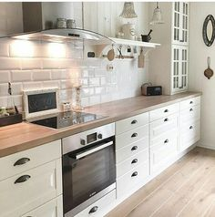 Kitchen From Ikea Behindabluedoor Home Design In 2019 Cocina Home Decor Kitchen, Interior Design Kitchen, Country Kitchen, New Kitchen, Home Kitchens, Cosy Kitchen, Kitchen Units, Kitchen Island, Küchen Design