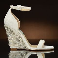 Alisa by Betsey Johnson Stunning wedding wedge. Great for all day comfort.
