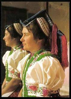 Hollókői viselet - HUngary Costumes Around The World, Heart Of Europe, World Photo, Classical Art, Folk Costume, Traditional Outfits, 1, Culture, Boho